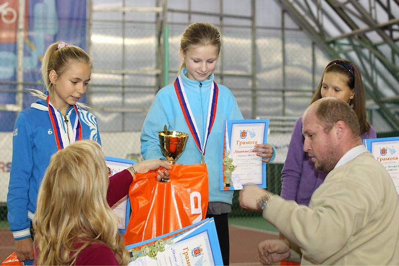 http://tennis-piter.ru/piter/files/20120121103824.jpg